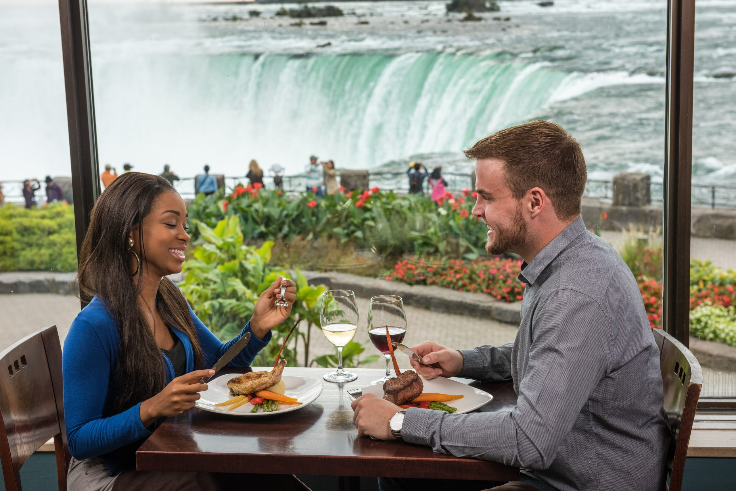Top 3 to do at Niagara Parks this Valentines Day