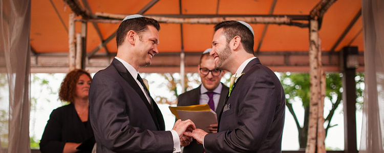 Niagara Parks Weddings certified as 'Local Gay Weddings Experts'