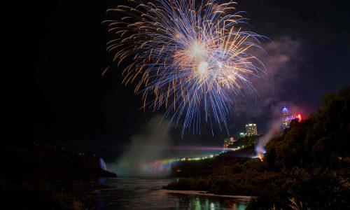 Feux d'artifice de Niagara Falls