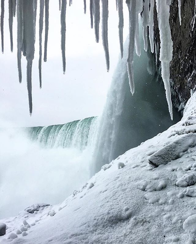 One of the best views in Niagara Parks ❄️ Photo: @elsa.maret  #NiagaraParks