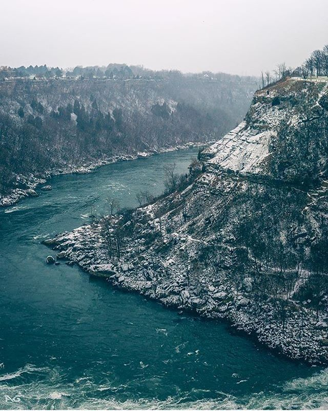 The vibrant colour of the Niagara River is a testament to the erosive power of w