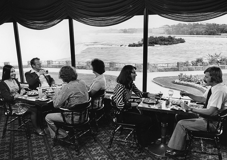 People dining at Table Rock Centre